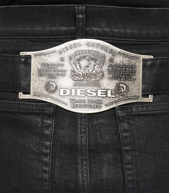 https://it.diesel.com/dw/image/v2/BBLG_PRD/on/demandware.static/-/Library-Sites-DieselMFSharedLibrary/default/dwf50c801c/CATEGORYOV/1x1_d-fedy_skirt_A04246_009SP_02_D.jpg?sw=594&sh=678