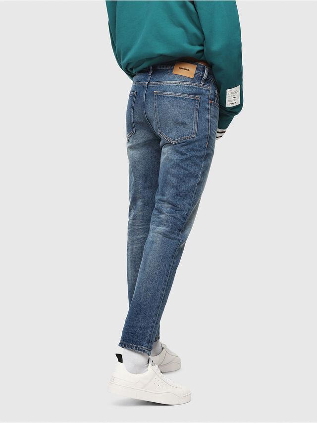 Diesel - D-Aygle 0076Y, Blu medio - Jeans - Image 2