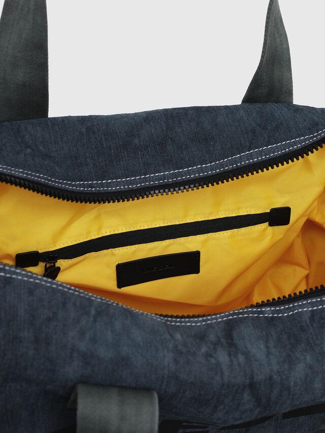 Diesel - D-THISBAG TRAVEL BAG, Blu Jeans - Borse da viaggio - Image 4