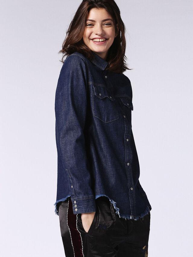 DE-KARY-RE, Blu Jeans