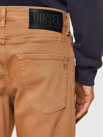 Diesel - D-Fining 09A32, Marrone - Jeans - Image 3