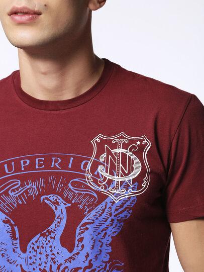 Diesel - T-DIEGO-MZ, Borgogna - T-Shirts - Image 5