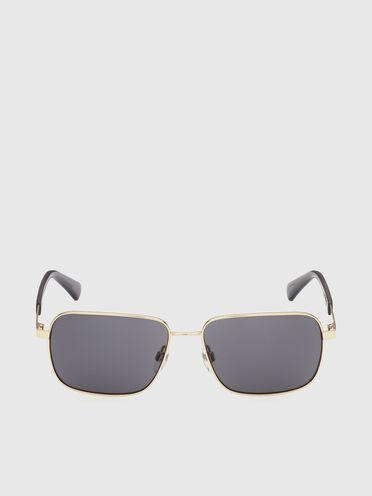 Occhiali con shiloutte rettangolare in metallo
