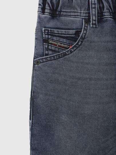 Diesel - KROOLEY-J SH JOGGJEANS, Blu medio - Shorts - Image 3
