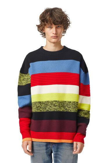 Pullover a righe in lana testurizzata