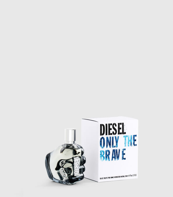https://it.diesel.com/dw/image/v2/BBLG_PRD/on/demandware.static/-/Sites-diesel-master-catalog/default/dw0a98a7c3/images/large/PL0124_00PRO_01_O.jpg?sw=594&sh=678