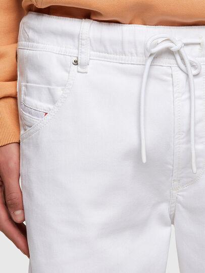 Diesel - D-KROOSHORT JOGGJEANS, Bianco - Shorts - Image 3