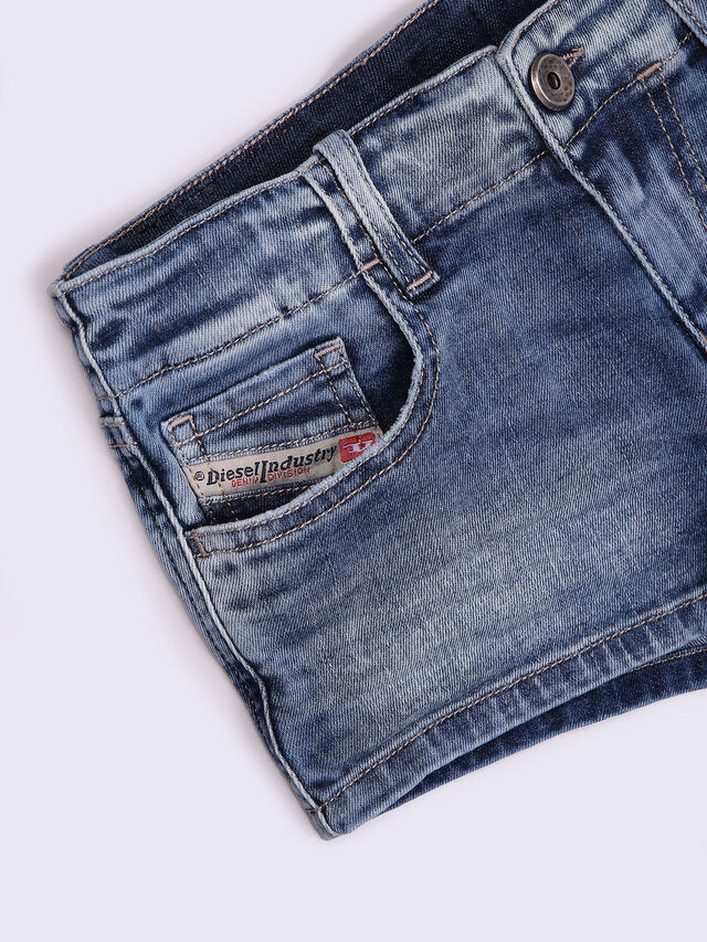 PRIRAZ-N, Blu Jeans