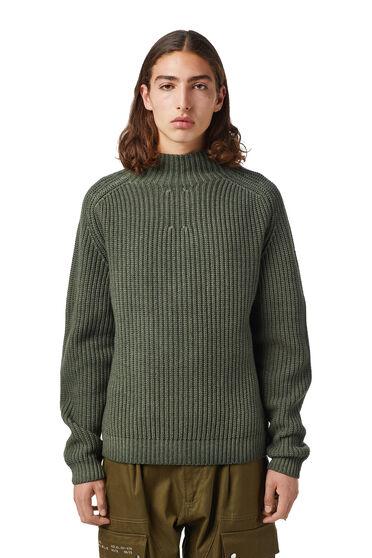 Pullover in misto lana con collo a lupetto