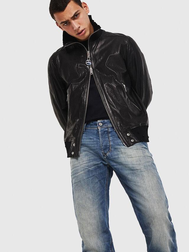 Diesel - Larkee-Beex 089AR, Blu Scuro - Jeans - Image 4