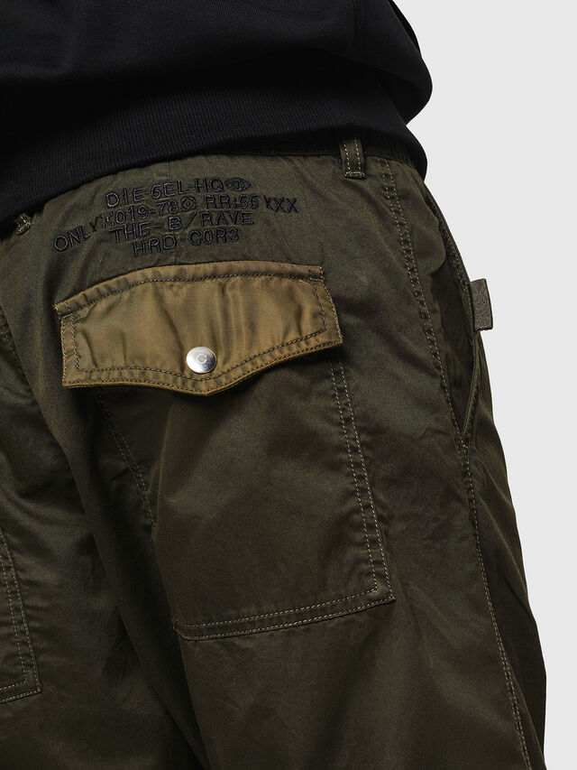 Diesel - P-CASHORT, Verde Militare - Pantaloni - Image 5