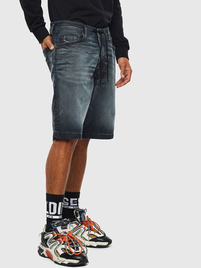 Diesel - D-WILLOH CB JOGGJEANS, Blu Scuro - Shorts - Image 4