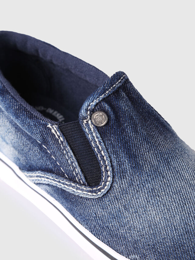 Diesel - SLIP ON 21 DENIM CH, Blu Jeans - Scarpe - Image 4
