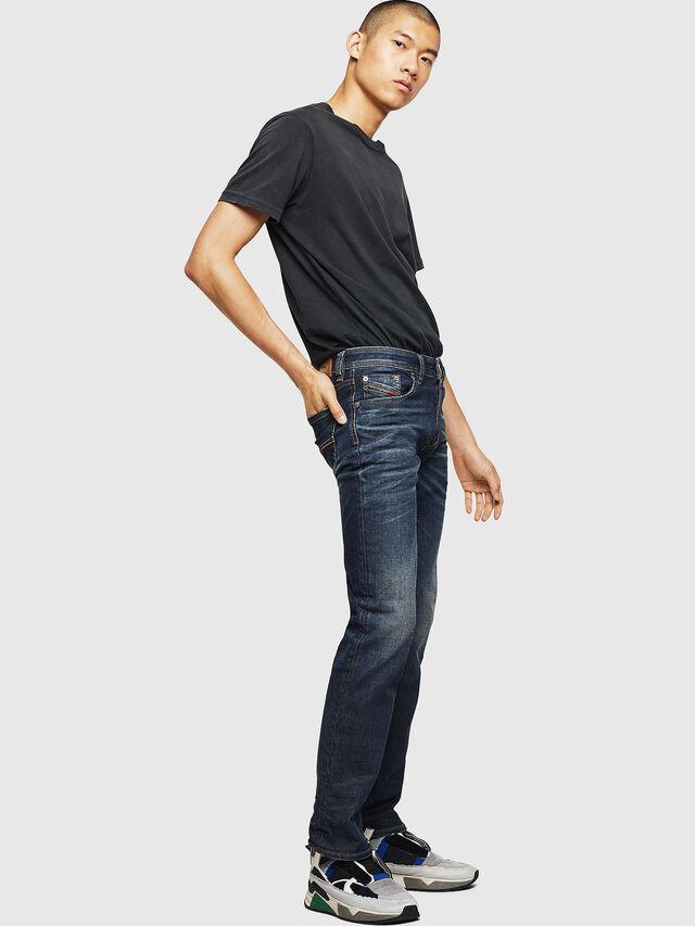 Diesel - Larkee 084ZU, Blu Scuro - Jeans - Image 6