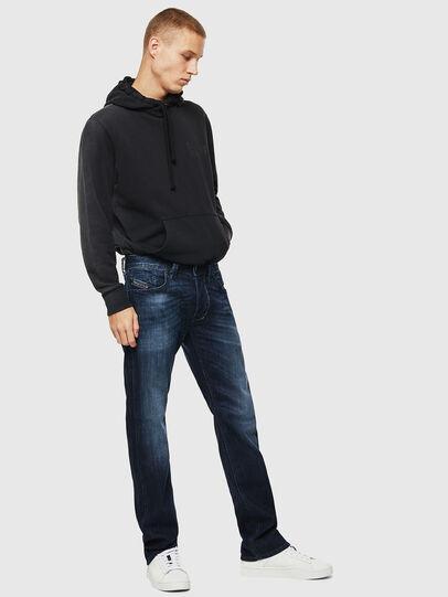 Diesel - Larkee 0095W, Blu Scuro - Jeans - Image 6