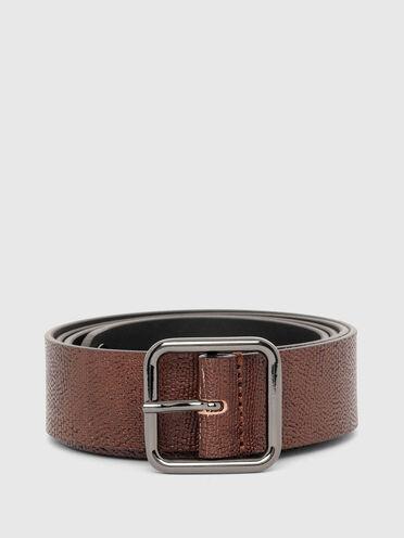Cintura in pelle con occhiello con logo