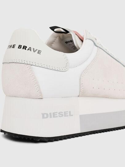 Diesel - S-PYAVE WEDGE, Bianco/Rosa - Sneakers - Image 4