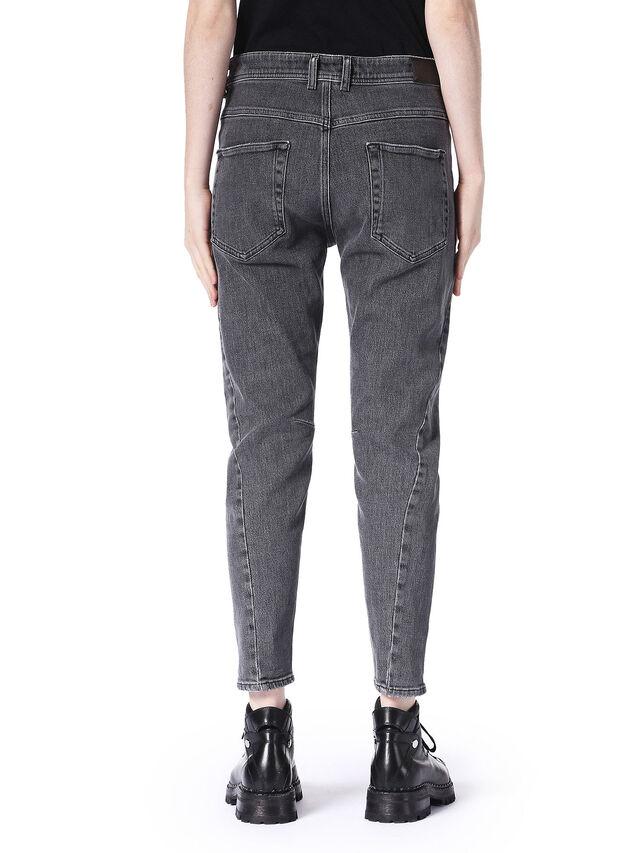 TYPE-1747, Nero Jeans