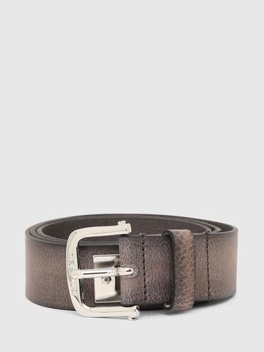 Cintura in pelle con scritta in metallo
