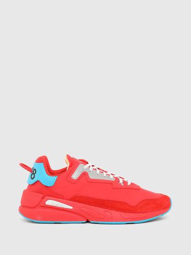 Sneaker in nylon increspato e pelle scamosciata