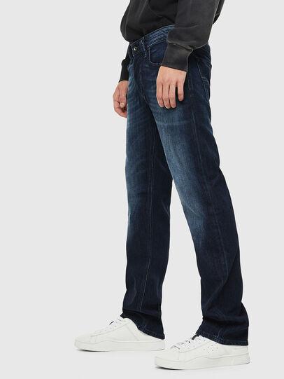 Diesel - Larkee 0095W, Blu Scuro - Jeans - Image 4