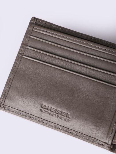 Diesel - HIRESH XS, Ecru Scuro - Portafogli Piccoli - Image 4