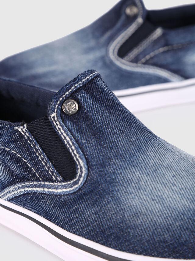 Diesel - SLIP ON 21 DENIM YO, Blu Jeans - Scarpe - Image 4