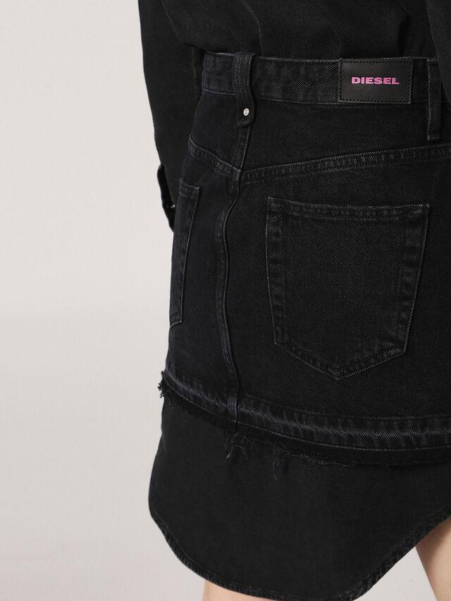 DE-DESY, Nero Jeans