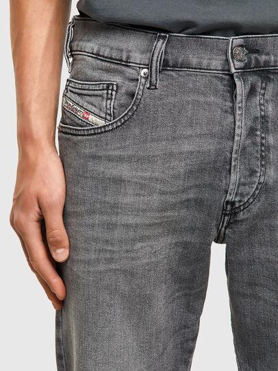 Diesel - D-Yennox 09A10, Grigio Chiaro - Jeans - Image 4