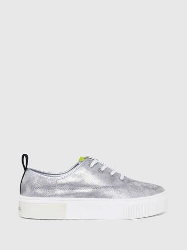 Sneaker con plateau con effetto metallizzato