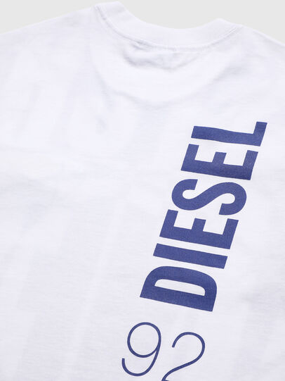 Diesel - TLUCASSLY1 OVER, Bianco/Nero - T-shirts e Tops - Image 4