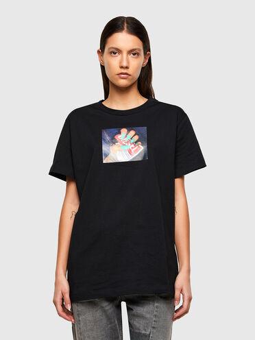 T-shirt con stampa a trasferimento fotografica