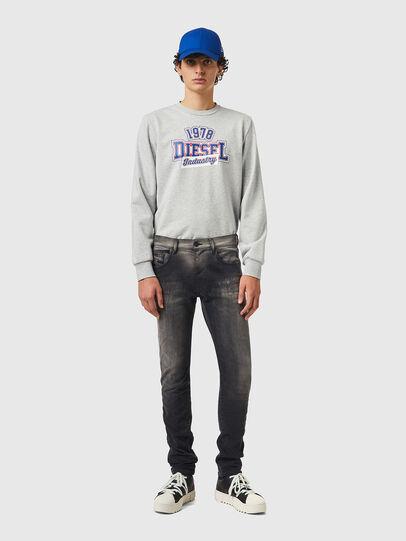 Diesel - D-Strukt JoggJeans® 09B04, Nero/Grigio scuro - Jeans - Image 5