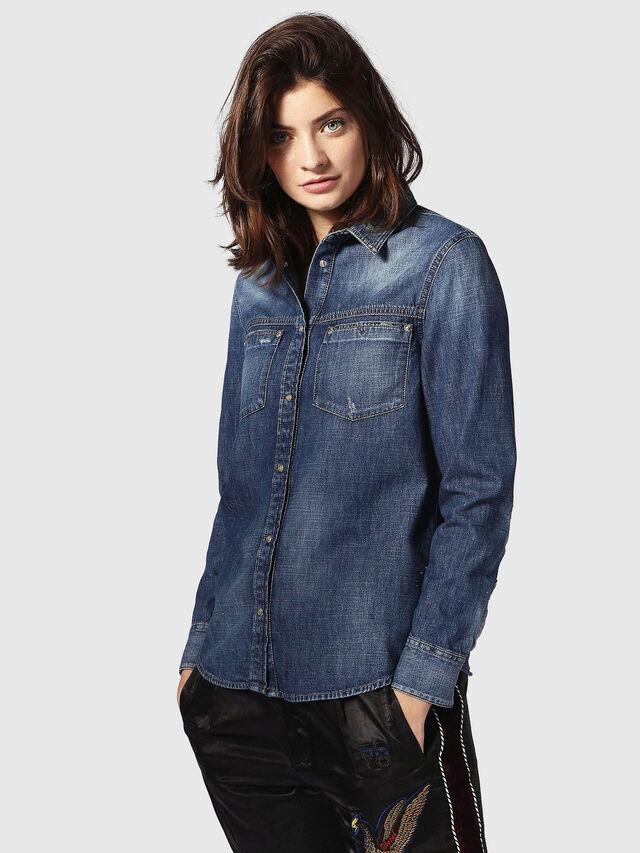 Diesel DE-KERI, Blu Jeans - Camicie in Denim - Image 2