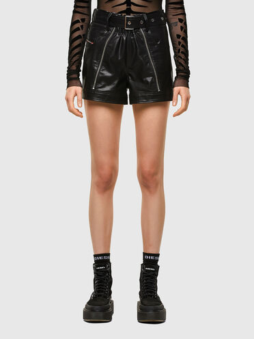 Shorts cinque tasche in similpelle