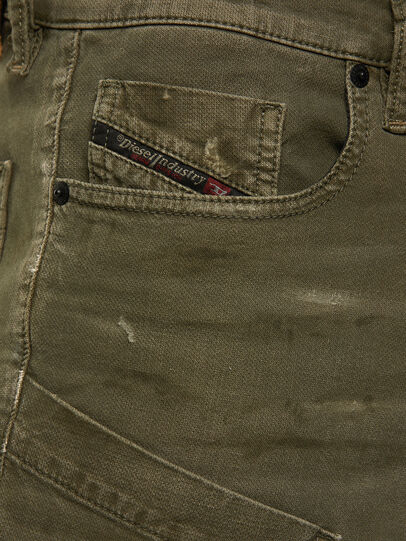 Diesel - D-Azzer JoggJeans® 069NF, Verde Militare - Jeans - Image 3