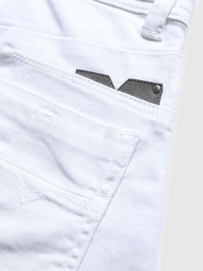 Diesel - DARRON-R-J SH-N JOGGJEANS, Bianco - Shorts - Image 3