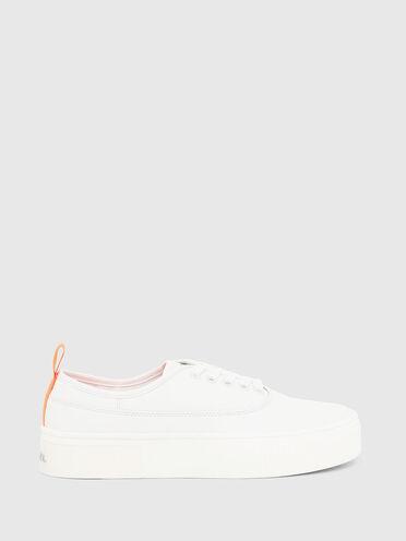 Sneaker in pelle con logo interno