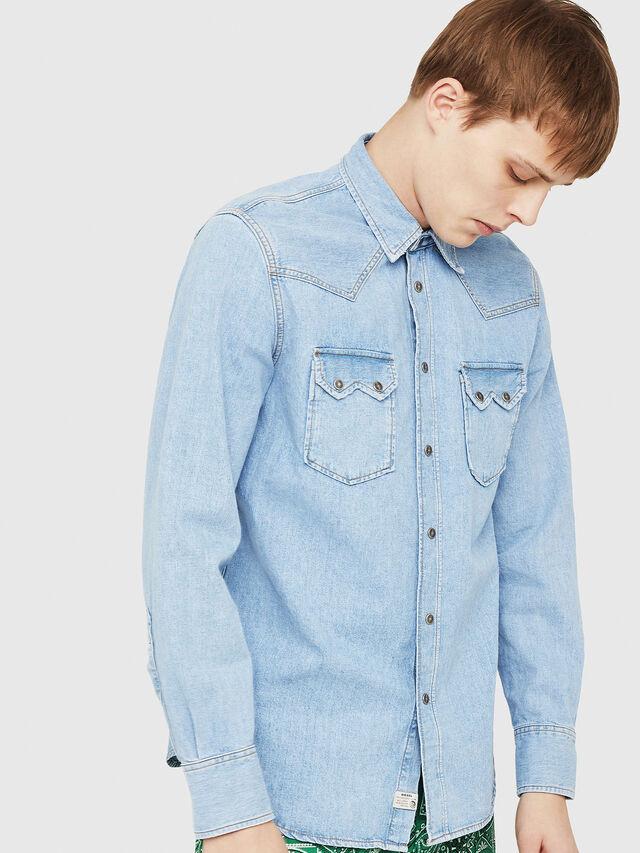 Diesel - D-LEO, Blu Jeans - Camicie in Denim - Image 1