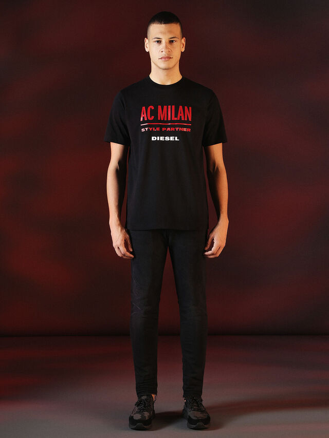 Diesel - DVL-TSHIRT-PRINT-SPECIAL COLLECTION, Nero - T-Shirts - Image 5