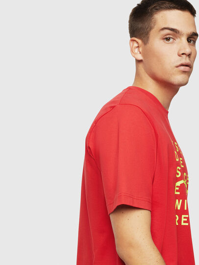 Diesel - T-JUST-J5, Rosso - T-Shirts - Image 4