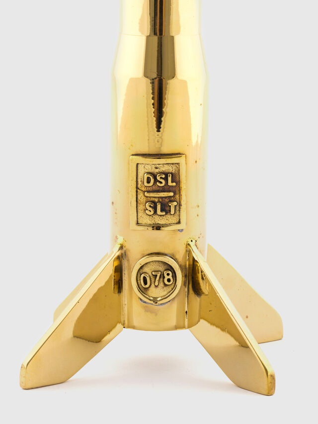 10878 COSMIC DINER, Oro