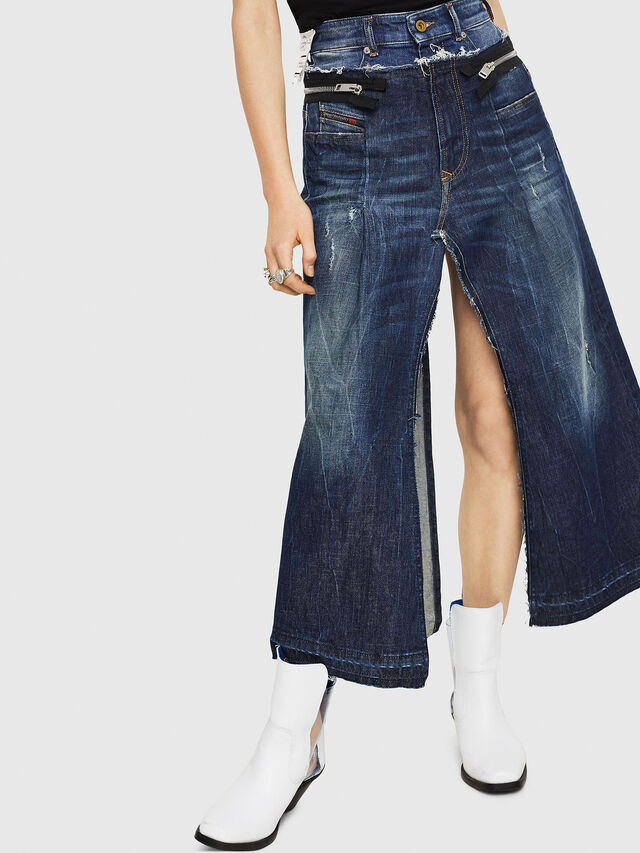 Diesel - DE-EVERY, Blu medio - Shorts - Image 1