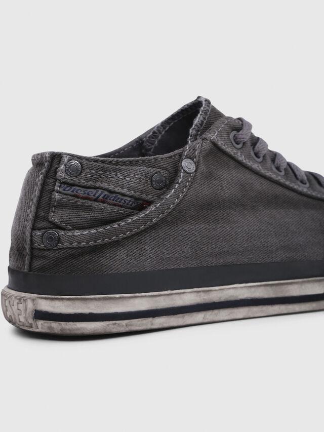 Diesel - EXPOSURE IV LOW  W, Grigio Metallizzato - Sneakers - Image 4
