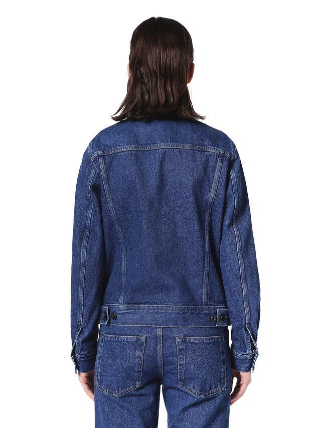 WOSET, Blu Jeans