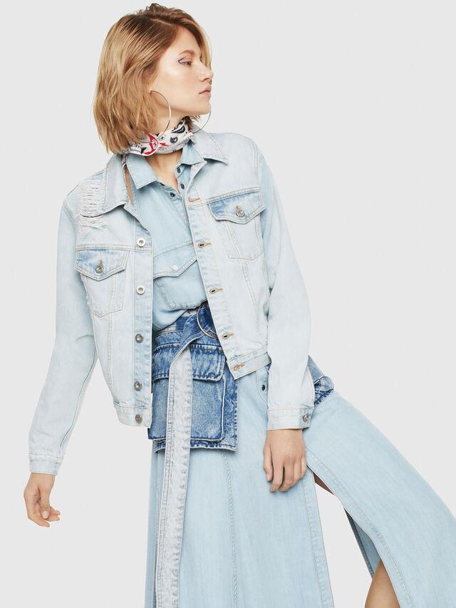 Diesel - DE-VELVET, Blu Jeans - Giacche in denim - Image 1
