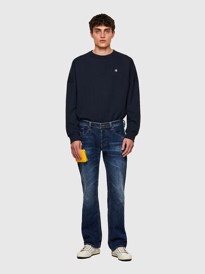 Diesel - Larkee 009MI, Blu Scuro - Jeans - Image 5