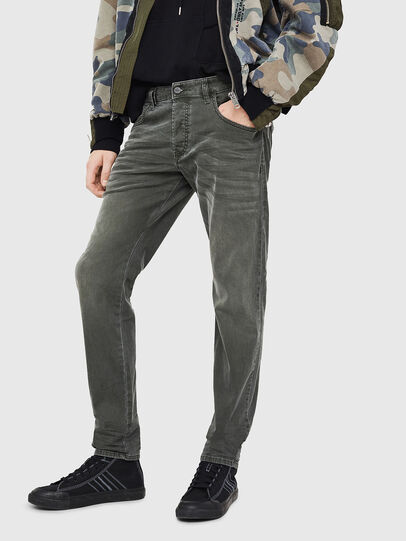 Diesel - D-Bazer 0699P, Verde Scuro - Jeans - Image 1