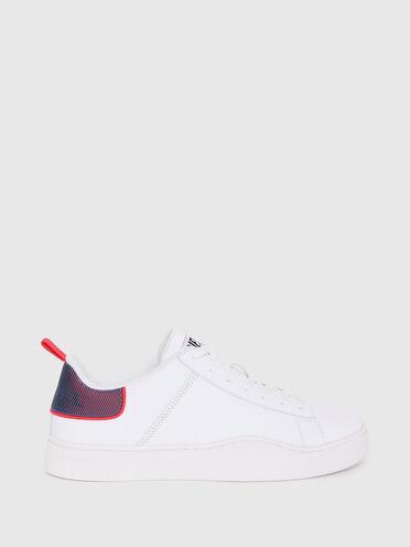 Sneaker con dettaglio con effetto olografico