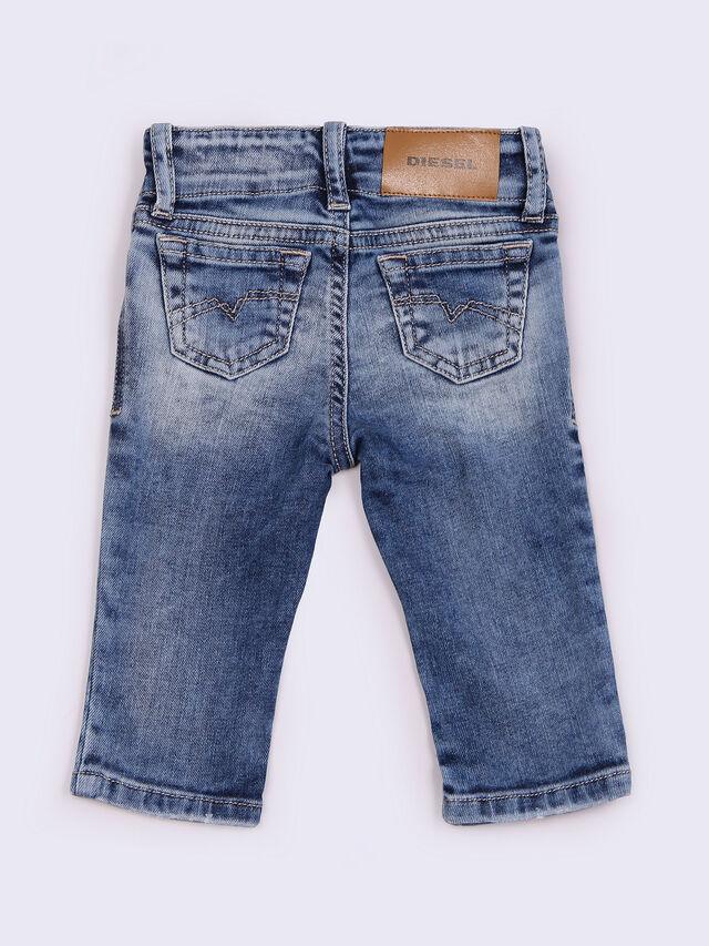 GRUPEEN-B, Blu Jeans